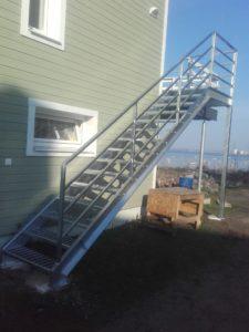 restastmetega trepp eramajale